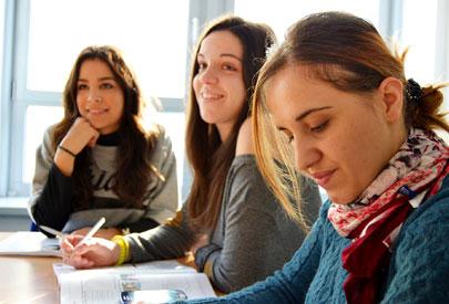フランス留学 短期、長期留学